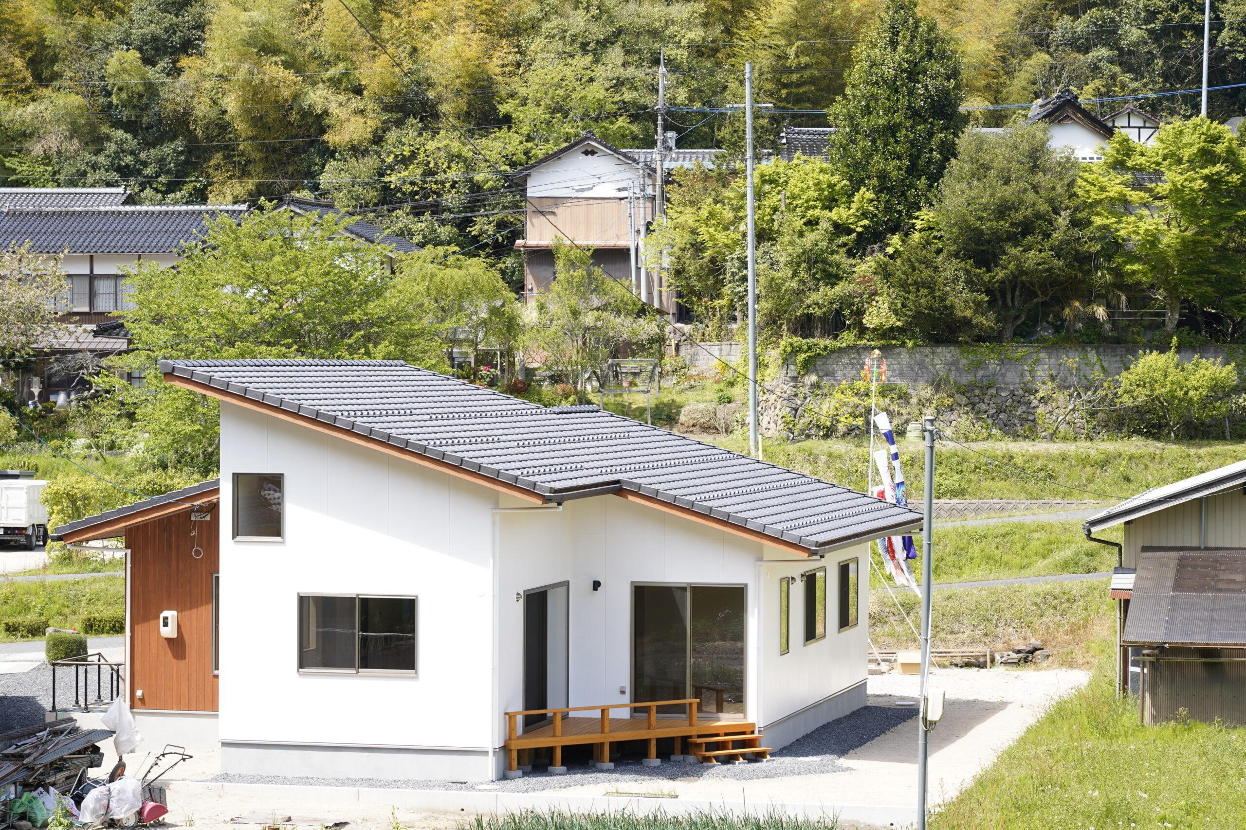 勾配天井のある平屋の家
